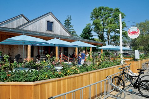vineyard style magazine scene seen katama general store reborn